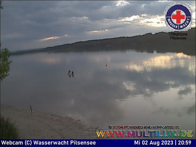 Webcam Wörthsee in Steinebach mit Blick von der Segelschule Wörthsee nach Westen, Richtung Mausinsel und Bachern, dahinter liegt die Ortschaft Buch am Ammersee.